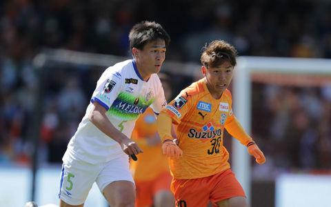 湘南、松田のスーパーゴールを含む3発で快勝!清水はいまだに白星なし