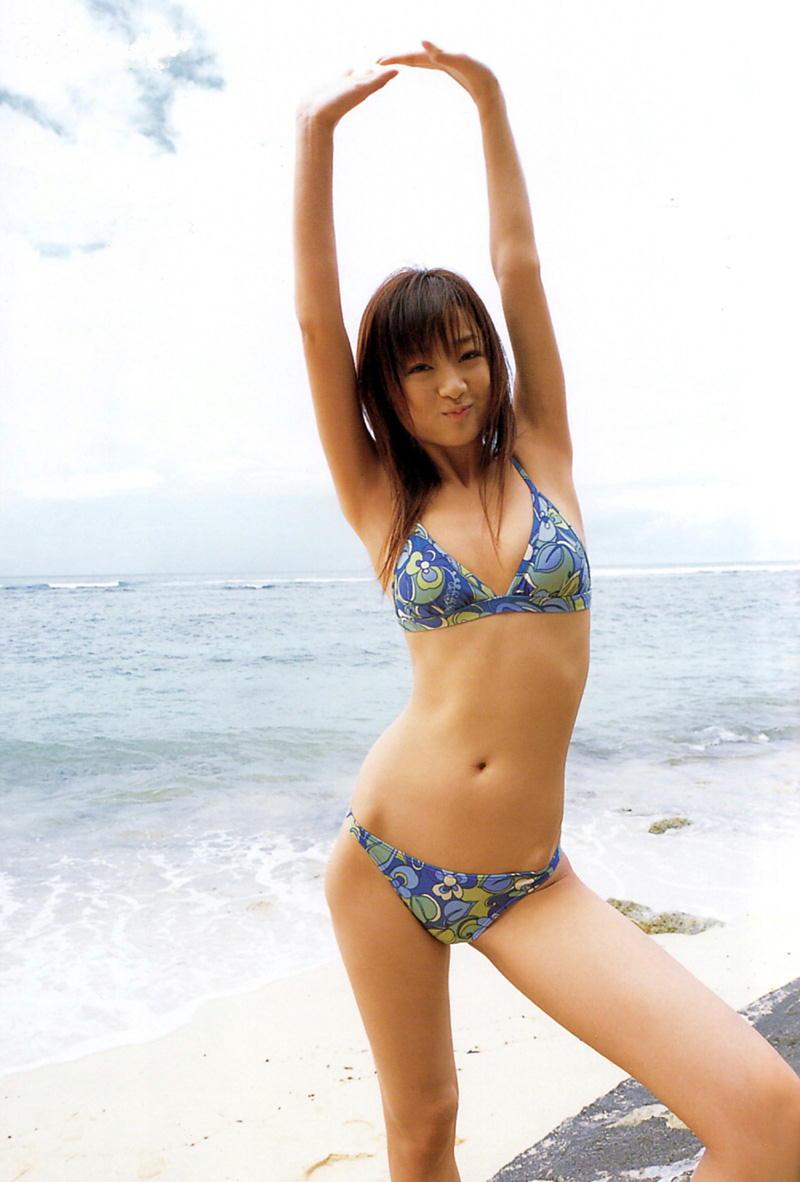 工藤里紗さんのビキニ