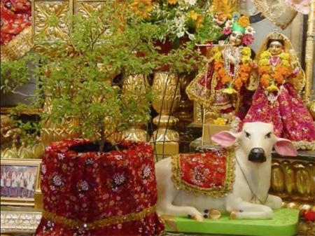 トゥラシー祭壇3