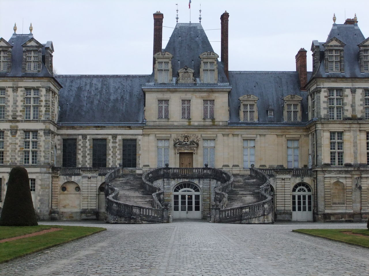 フォンテーヌブロー宮殿の画像 p1_36