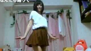 【踊ってみた】純白パンティーを見せる美女