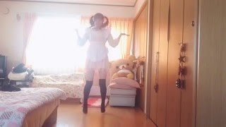【踊ってみた】眼鏡メイドの純白パンティーチラ