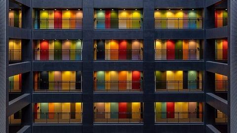 apartments-4358755_640