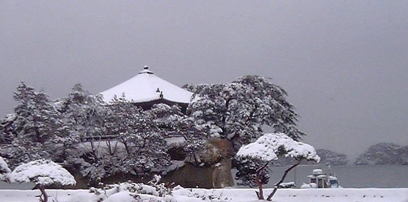 雪の松島-t
