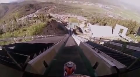 Motorcycle_Jump_Ski_Jumping