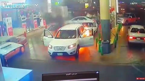 Hyundai caught fire at gas station during refueling