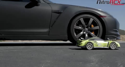 GT-R_vs_rc_car