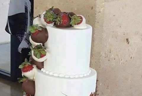 rally_weddingcake_s