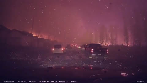 Welcome To Hell - Driver Escapes Fort McMurray Fire