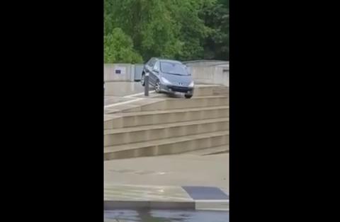 Dieser wahnwitzige Treppenritt wird teuer