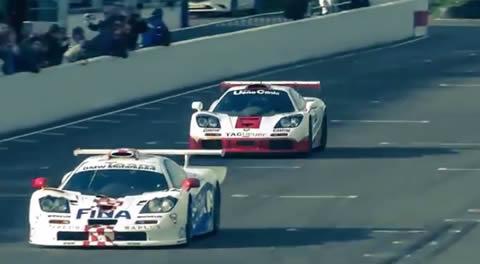 McLaren_F1_GTR_Meeting