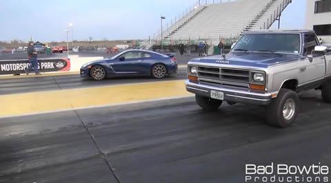 Dodge_Ram_vs_gt-r