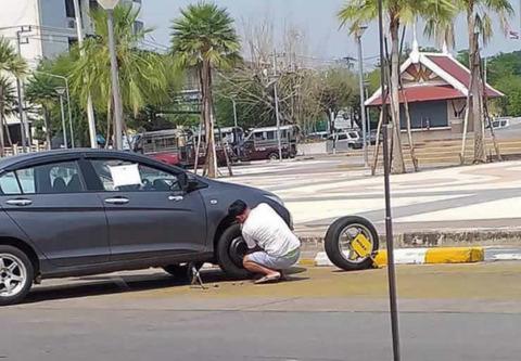 tire_parking