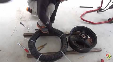band_tire_change