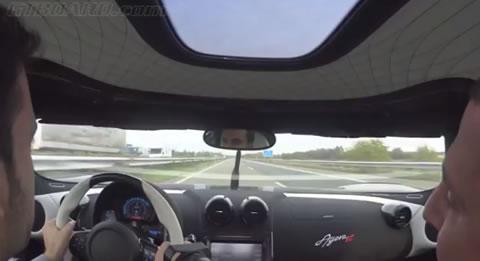 Autobahn_runs_KoenigseggAgeraR