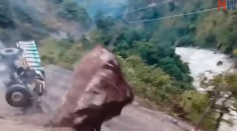 Crazy Footages Massive Landslides Caught On Camera