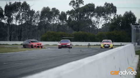 Tesla_Model_S_vs_Holden_V8_Supercar