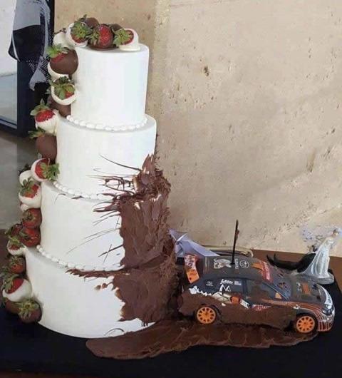 rally_weddingcake