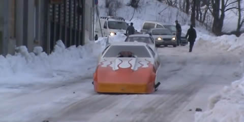 FunnyCar_on_snow
