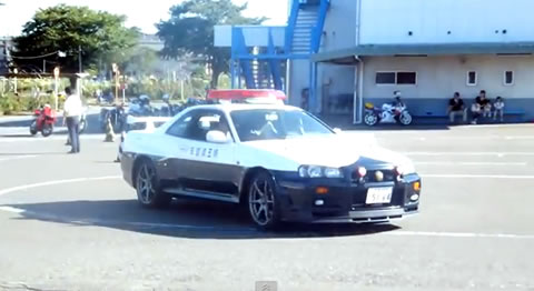 r34_gtr_policecar
