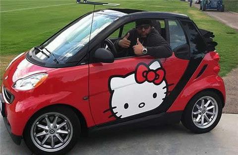 hello-kitty-smart-car