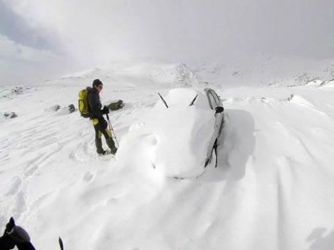 snow_mountain_car