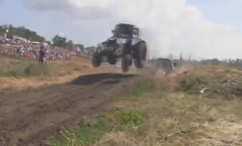 Russian_Flying_Tractor_Racing2014