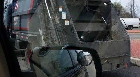 Garbage truck_s