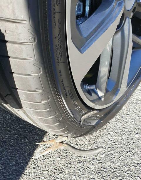 punk_tire