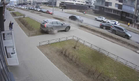 Father's Fast Reflexes Saves Child