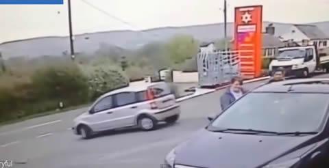 Elderly_driver_STUNT_GS