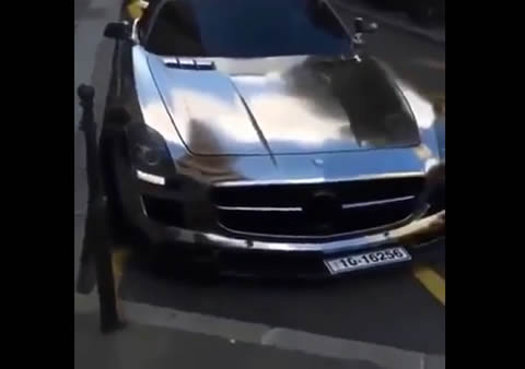 Chrome SLS Crashes Its Front