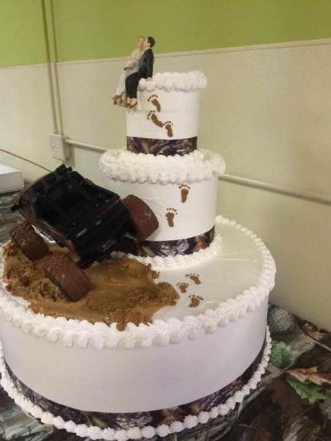 mud_weddingcake