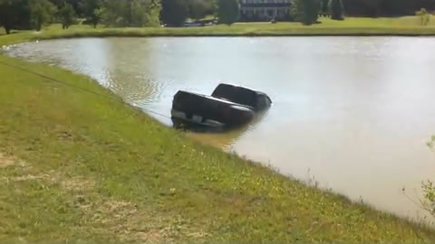 Truck_Into_Pond
