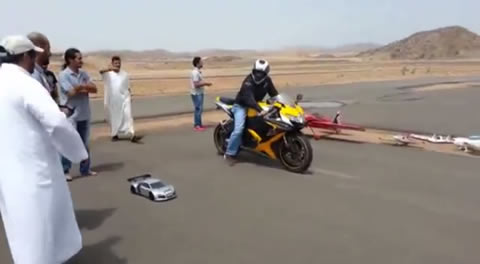 RC_Car_VS_Motorcycle