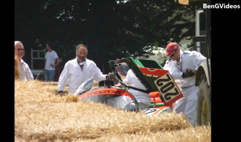 Mazda_767B_Crash_Goodwood_FoS2015