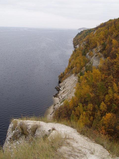 800px-Volga_steep_Tatarstan
