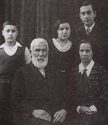 Abdürreşit-İbrahim-Efendi-1857-1944-ve-Çocukları