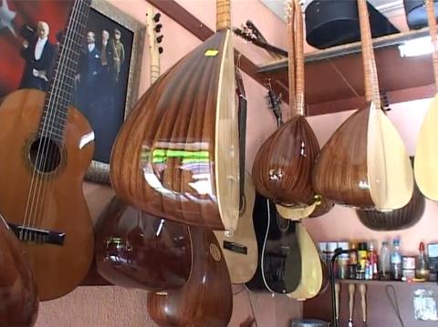 İlhan Koldemir Müzik Aletleri-1