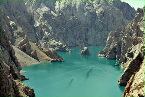 Kırgızistan doğası