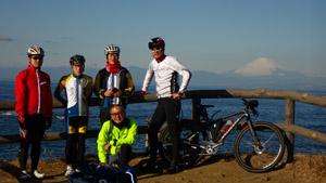 三浦七福神ツーリング02立石公園の出島で富士山と