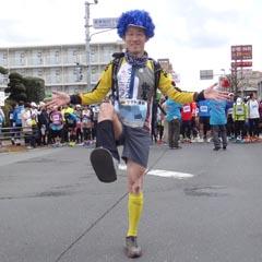 160221青梅マラソン06_スタートブロック前で