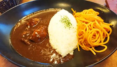 肉の万世 ハヤシライス&ナポリタン1