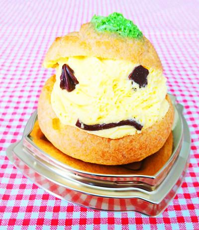 おばけかぼちゃのシュークリーム1