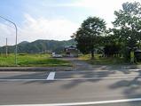 留萌本線・藤山駅の駅前から駅を見た光景