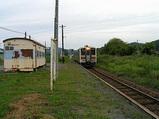 幌糠駅に列車が到着