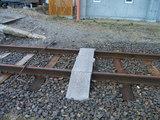 線路を渡る板
