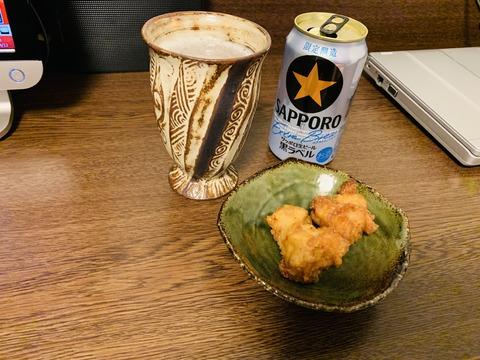 ビールと唐揚げ ちゅちゅポン