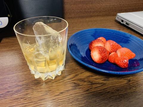 バーボンと苺 ちゅちゅポン