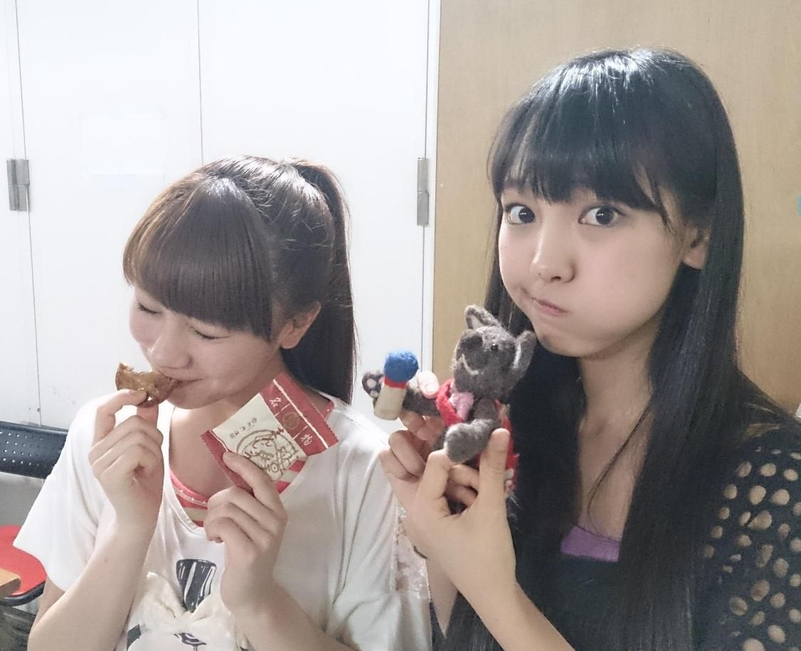 wolves and morning musume iikubo san is cuter when she s making her